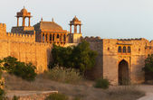 Fortified gate at Nagaur's fort in Rajasthan during sunset. — Stock Photo