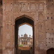 Stairs up through gate from Raja Mahal to Jehanghir Mahal in India's Orchha. — Stock Photo