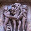 Copulation sculptures on Hindu temple at India's Khajuraho. — Stock Photo