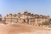 Fort ve Hindistan palace'nın gwalior bir kayalığın üzerinde inşa edilmiştir. — Stok fotoğraf