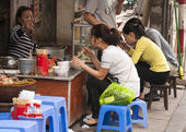 Street restaurant in the old part of town. — Stock Photo