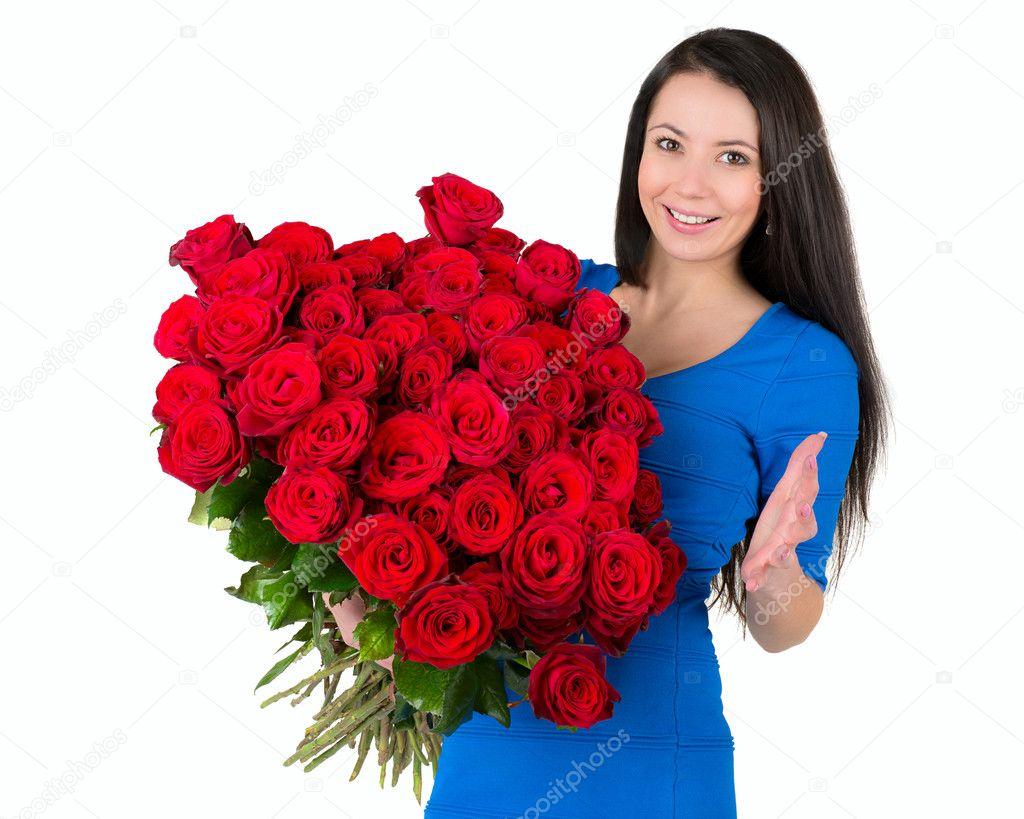 Фото девушки с букетом цветов в руках