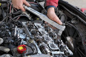 Automotive, cylinder head servicing — Stock Photo
