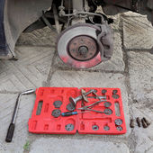 Car mechanic tools for disc brakes — 图库照片