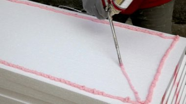 House insulation inastalation — Stockvideo