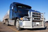 燃料卡车 — 图库照片