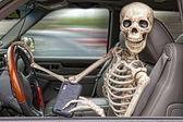 Skelett texting und fahren — Stockfoto