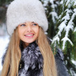 Beautiful woman portrait in winter - closep — Stock Photo
