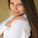 Young sensual & beauty woman outdoor closeup portrait — Stock Photo #26509383