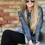 Sexy woman wearing sunglasses — Stock Photo