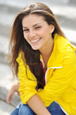 Beautiful smiling girl portrait closeup — Stock Photo