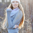 Autumn portrait of pretty woman outdoor smiling happy in hat and — Stock Photo