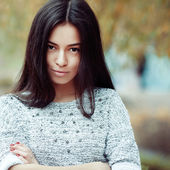 Close up of a beautiful girl face - outdoor — Stock Photo