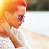 Beautiful sensual fashion woman in sunglasses. Multicolored pop — Foto de Stock