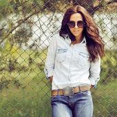 Portrait of beautiful brunette woman outdoor  — 图库照片