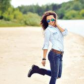 一位年轻性感美女的时尚肖像 — 图库照片