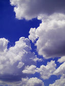 Clouds in the blue sky — Foto Stock