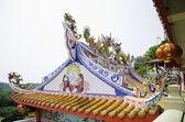 čínský drak socha na střechu chrámu — Stock fotografie