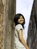 Young girl at Wat Maheyong Temple. Ayutthaya province - Thailand — Stock Photo