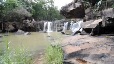 Tat Ton Waterfall at chaiyaphum in Thailand — Stock Video