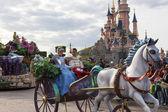 Cinderella and prince Charming — Stock Photo