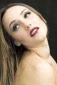 Vacker brunett flicka — Stockfoto