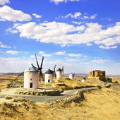 Windmills and castle of Consuegra. Spain — Stock Photo