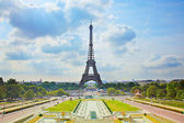 Eiffel Tower landmark, view from Trocadero. Paris, France. — Stock Photo