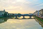 Carraia medieval Bridge on Arno river, sunset landscape. Florenc — Stock Photo