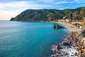 Monterosso-strand und meer-bucht. fünf länder, 5 terre, ligury italien — Stockfoto