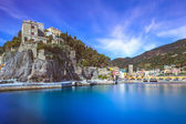 Monterosso village, harbor and sea bay. Cinque terre, Liguria Italy — Stock Photo