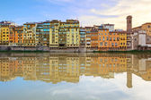 Arno river and buildings architecture landmark on sunset. Floren — Stock Photo