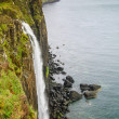 Kilt Rock Waterfall seascape, Isle of Skye, Scotland — Stock Photo