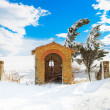 Tuscany, chapel and trees covered by snow in winter. Italy — ストック写真