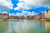 Honfleur skyline harbor and water. Normandy, France — Stock Photo