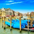 Venice grand canal, gondolas or gondole and Rialto bridge. Italy — Stock Photo #28906347
