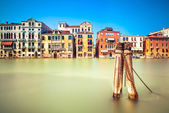 Venice cityscape, water grand canal and traditional buildings. Italy. — Stock Photo