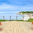 Etretat panoramic view landmark, balcony, beach and village. Normandy, France. — Foto de Stock