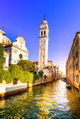 Venice sunset in San Giorgio dei Greci water canal and church ca — Stock Photo