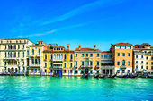 Venice cityscape, water grand canal and traditional buildings. I — Stock Photo