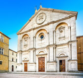 Pienza, duomo kathedraal kerk gevel in toscane, italië — Stockfoto