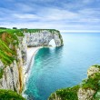 Etretat, Manneporte natural rock arch and its beach. Normandy, F — Stock Photo #33830111