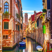 Venice cityscape, water canal, campanile church and traditional — Stock Photo