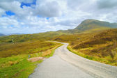 Highlands of Scotland narrow road landscape, Uk — Stock Photo