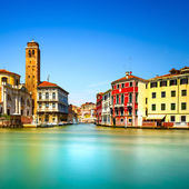 Venice grand canal, San Geremia church campanile landmark. Italy — Foto de Stock