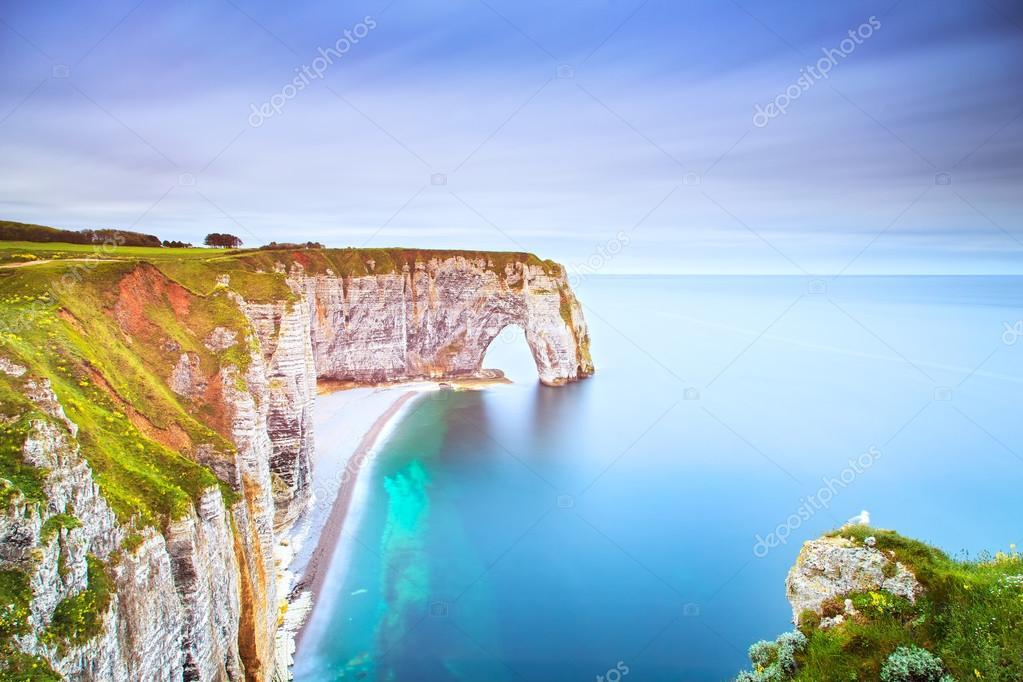 Фотообои Этрета, Manneporte природной каменной аркой и своим пляжем. Нормандия, Ф