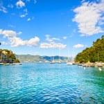 Portofino luxury village landmark, bay view. Liguria, Italy — Stock Photo #48201915