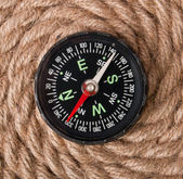 Compass and rope — Stock Photo