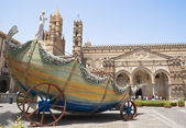 Cart of santa rosalia in the Cathedral of Palermo — Stock Photo