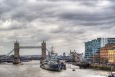 Tower bridge in hdr — Stock Photo